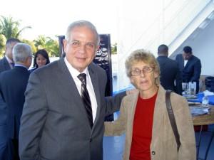 Cristina Barrios y Almanzor, cónsul general de España en Miami, y el alcalde Tomás Regalado durante los eventos de ConsuMiami 2013.