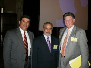 Miami Empresarial Archive Photo: Rodolfo Sabonge (center), Vice President, Market Research and Analysis, Panama Canal Authority, with Manuel Almira (left), Executive Director, Port of Palm Beach, and Edward R. Oppel, Commissioner, Port of Palm Beach. Photo: Arquimedes Trujillo